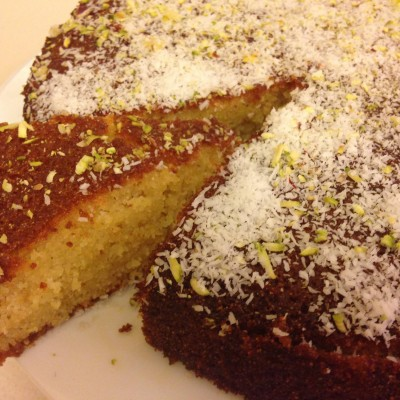 עוגת סולת עם הל וזעפרן