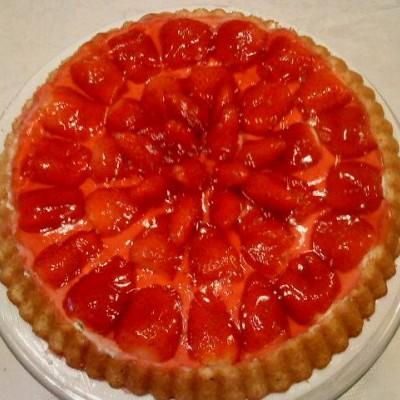 עוגת תותים חגיגית