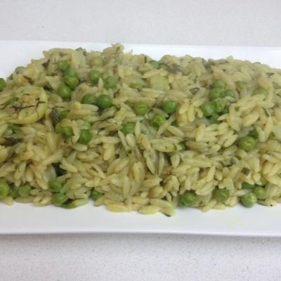 תבשיל פתיתי אורז עם אפונה