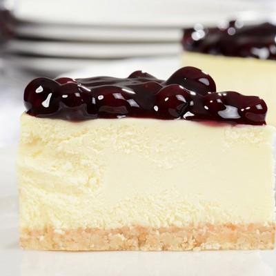 עוגת גבינה ופירות יער