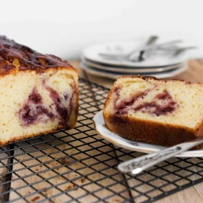 עוגת גבינה בחושה עם דובדבני אמרנה