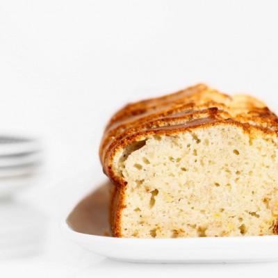 עוגת גבינה בחושה עם בננות