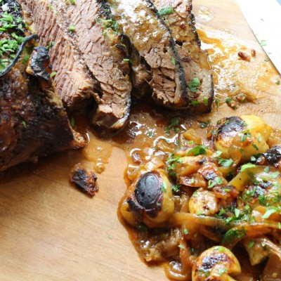 צלי חזה בקר עם תפוחי אדמה בסיר אחד