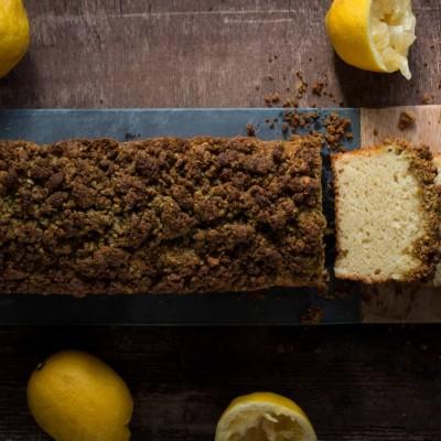 עוגה בחושה לימון ריקוטה עם קראמבל פיסטוק-נענע