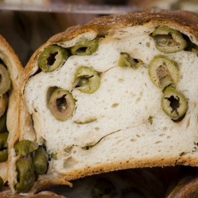 לחם זיתים