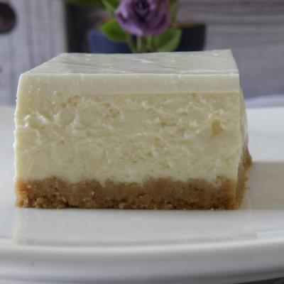 עוגת גבינה אפויה עם שוקולד לבן