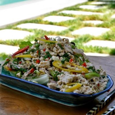 סלט עוף תאילנדי