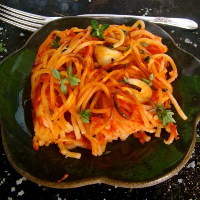 פסטה אפויה ברוטב עגבניות עם מוצרלה